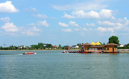 千龙湖度假村好玩吗?