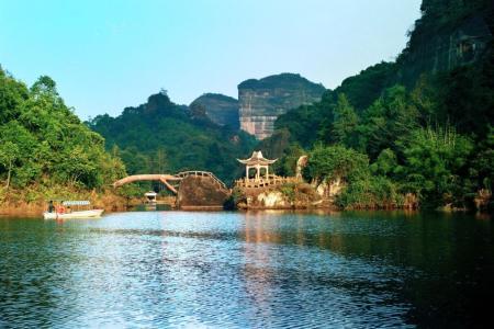 暑期旅游旺季到来 亲子游、研学游成热点